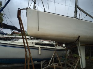 Velero de regatas corum 27 muy equipado